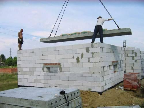 Бетонные и пескобетонные фундаментные блоки применяются как в жилищном, так и в промышленном строительстве